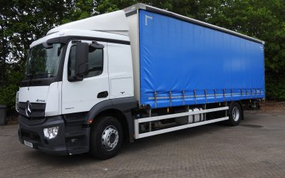 Mercedes-Benz Actros 1824L curtainside rigid
