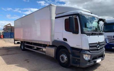Mercedes-Benz Actros 1824L box rigid