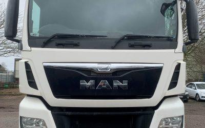 MAN TGX 440 XLX 6×2 tractor unit